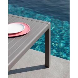 TABLE AVA